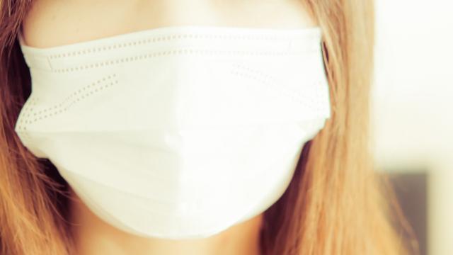 マスクをしてる女性 | 季節の変わり目にインフルエンザ対策! | 高級交際クラブTen Carat「10カラットブログ」