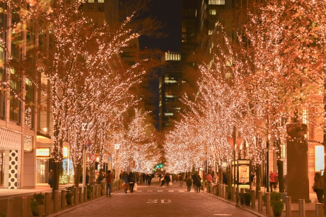 クリスマスイルミネーション 東京 丸の内 仲通り | 交際クラブ・デートクラブのデートで使えそうなイルミネーション♪ | 高級交際クラブTen Carat「10カラットブログ」