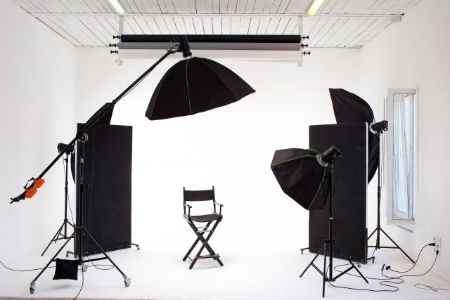 スタジオ撮影 | ステイホームしながら撮る!上手いプロフィール写真の撮り方 | 高級交際クラブTen Carat「10カラットブログ」