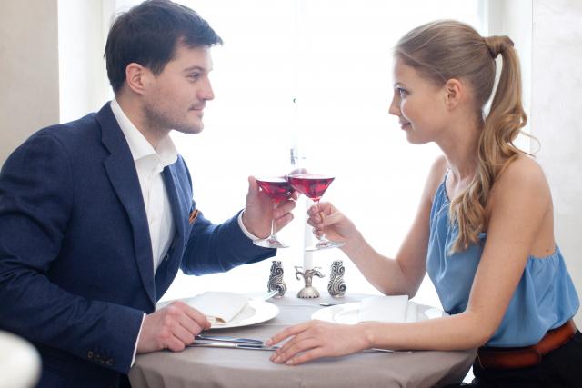 写真タイトル | 初めてのデートで相手に好感を持たせる方法 | 高級交際クラブTen Carat「10カラットコラム」