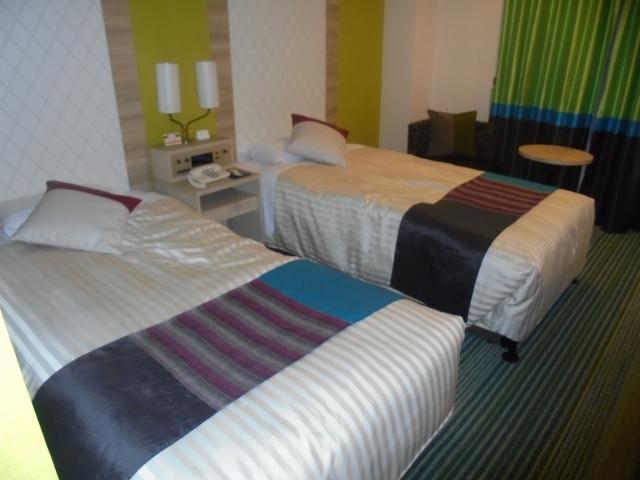 ホテルでくつろぐ | 女性が喜ぶシティホテルデートプラン | 高級交際クラブTen Carat「10カラットコラム」