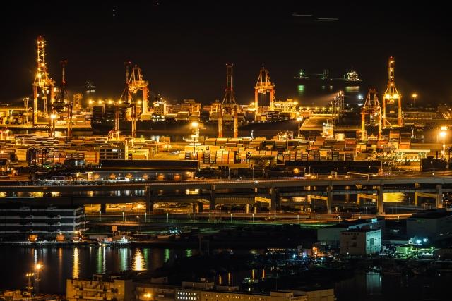 横浜ランドマークタワーから見える京浜工業地帯   いつものデートとはひと味違う、全国のおすすめ工場夜景鑑賞スポット5選   高級交際クラブTen Carat「10カラットコラム」