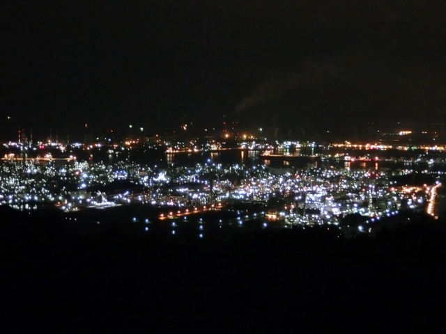 倉敷市水島コンビナートの夜景   いつものデートとはひと味違う、全国のおすすめ工場夜景鑑賞スポット5選   高級交際クラブTen Carat「10カラットブログ」