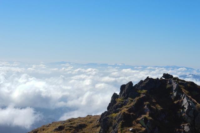 山の上に広がる雲海(日光白根山) | デートにオススメな今話題の高原カフェ | 高級交際クラブTen Carat「10カラットブログ」